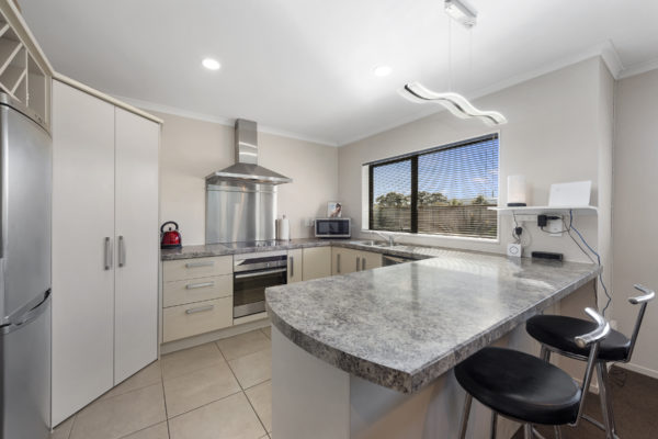 009_Open2view_ID459632-41_King_Charles_Dr_Upper_Hutt